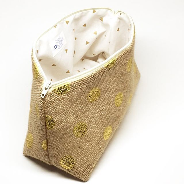 Love the inside of this bag. Just when you think you couldn't get enough of the gold on the outside, then bam - gold on the inside!! . . . #etsyfinds #etsyseller #etsyshop #etsy #handcrafted #handmade #buyhandmade #shop #shoppingonline #shopping #