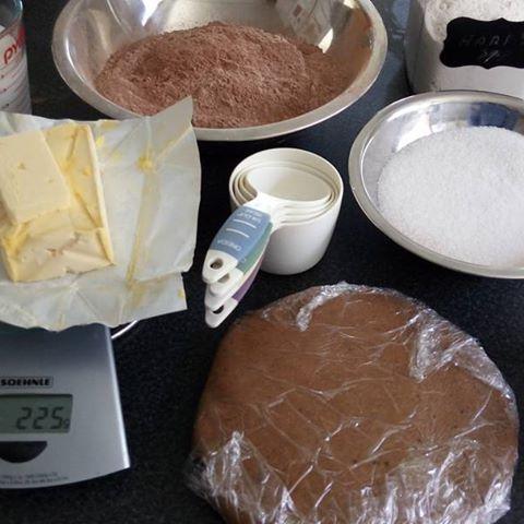 Aprovechando el domingo para prepararnos para Halloween... #galletas #bundtcake #chocolate #mividaenundulce