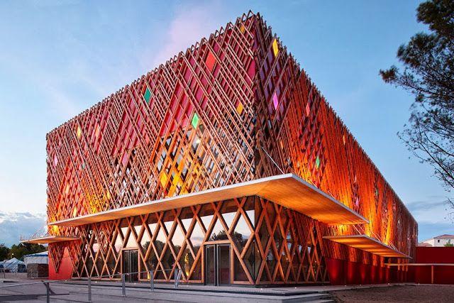 Teatro Jean-Claude Carrière - Construcción en Madera