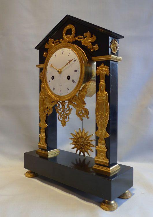 Antique francuski zegar, czas Directoire, forma portyk, podpisał Revel Paryż. - Gavin Douglas Antyki