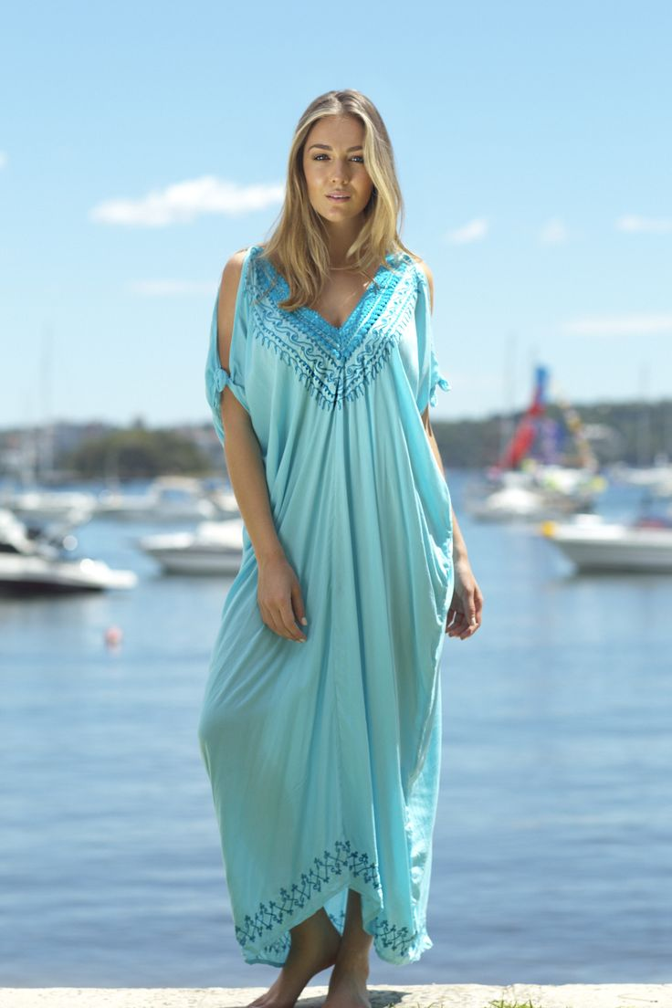 Looking for a casual yet elegant kaftan that's a bit more tailored? Our new beach styles are the perfect blend of comfort and style!  In this photo: Lola Kaftan Dress Mint $85 http://www.laloom-kaftans.com.au/sh…/lola-kaftan-dress-mint/