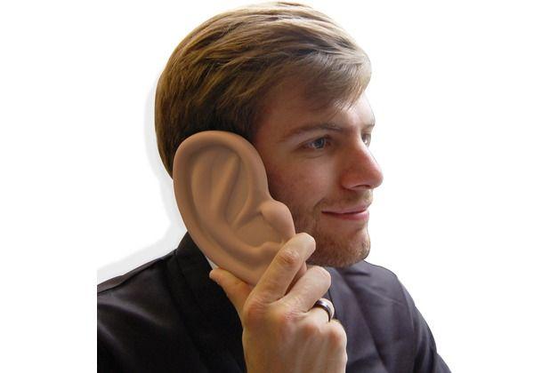 Sie haben ein dickes Fell und lassen sich gerne eine Kante ans Ohr labern? Mit der Riesenohr-Schutzhülle ziehen Sie die Blicke auf sich. Auch wenn Sie gerne jemandem ein Ohr leihen möchten ist das jetzt auf ganz neue Art möglich. #Handyhülle #Schutzhülle #lustig #Geschenk #Geschenkidee #schenken #Ohr #Hertie  Tumbs up