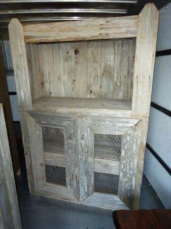 Shaby chic country-style cabinet! Love it!