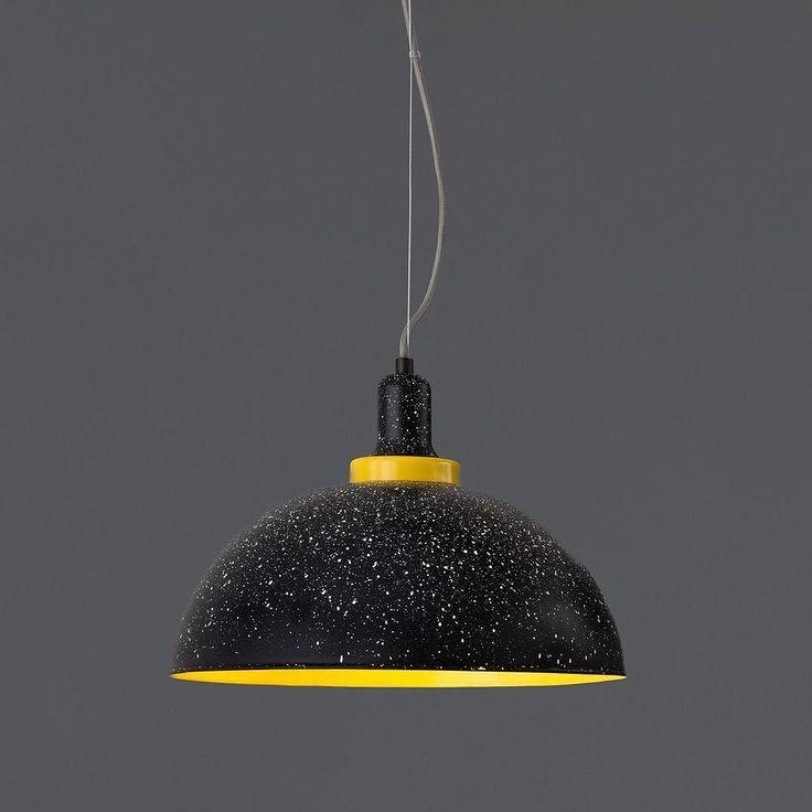 Nos encanta esta lámpara tipo campana en aluminio mate en acabado negro amarillo y blanco.  #tendencia #decoracion #interiorismo #light #luz #diseño #cool #interior #interiordesign #instadecor #picoftheday #decoration