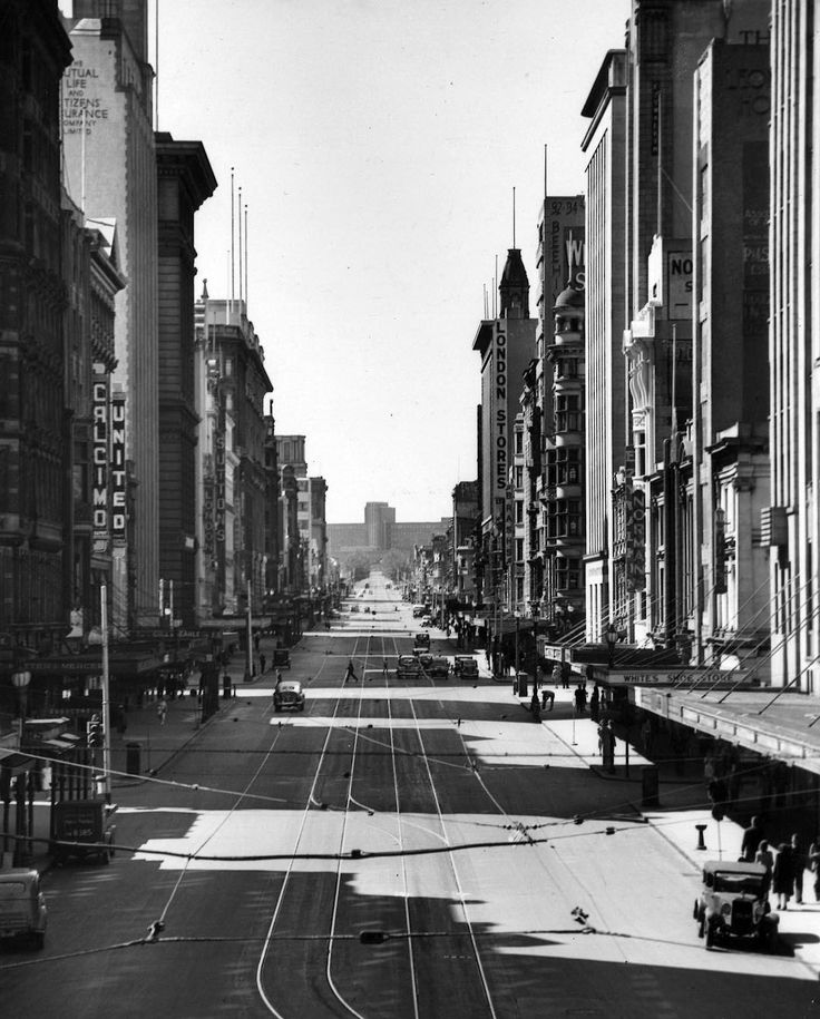 1948. Sunday scene - without trams There were no trams, and little other traffic, in Elizabeth st at mid-afternoon, when this picture was taken from the clock tower of Flinders Street station.