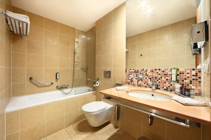 Spacious bathrooms with floor heating in Hotel Clement Prague