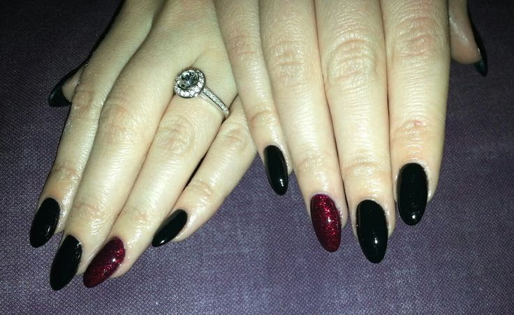 Black and Red Glitter Almond Shape Shellac