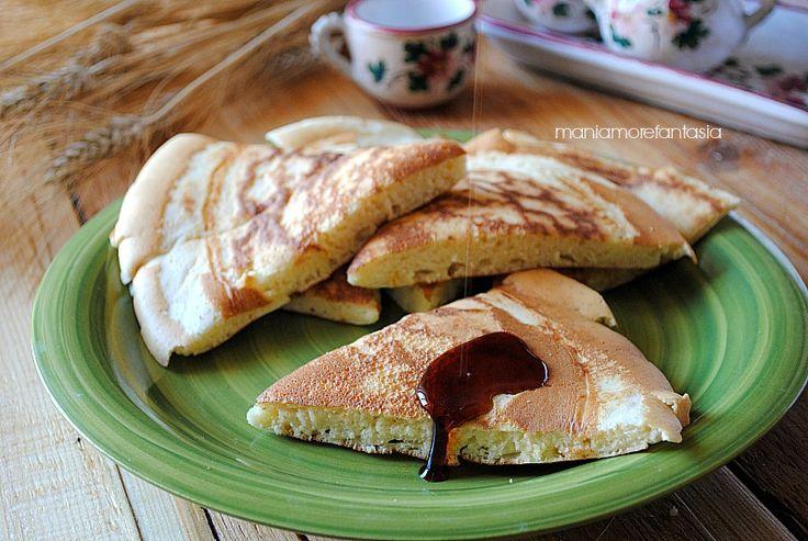 """Il metodo per ottenere tanti pancake in poco tempo. Se andate sempre di fretta questo """"pancheiccone"""" fa per voi. Segnatevi la ricetta."""