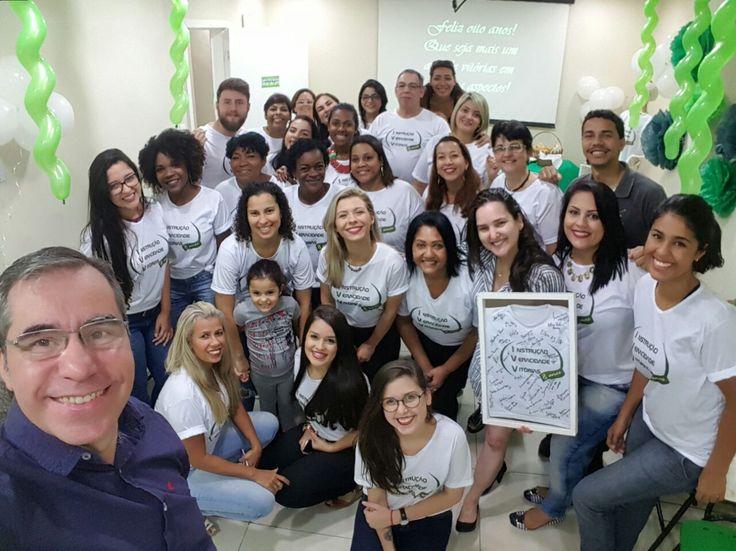 IVV 8 ANOS!!! ❤  Uma homenagem com muito amor da equipe IVV a Valéria Vaz e Marcelo Marques.  Aos nossos fundadores que com amor, ética, profissionalismo e muita dedicação já transformaram milhares de vidas.  É muito bom fazer parte dessa família! 💞