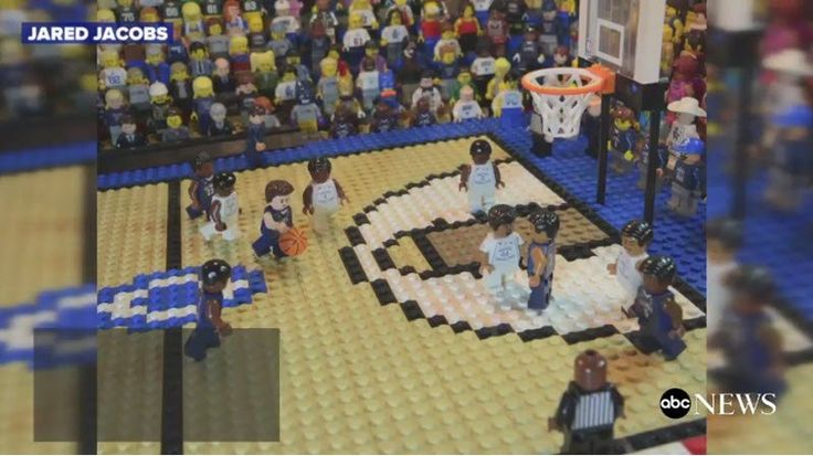 A dad used Legos to recreate the dramatic ending to the 2016 NCAA basketball tournament as a gift for his daughter