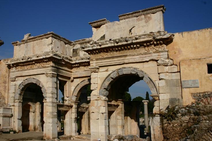 Altıntepe es un lugar arqueológico urartu de Turquía, situado en la Provincia de Erzincan en la región de Anatolia Orienta