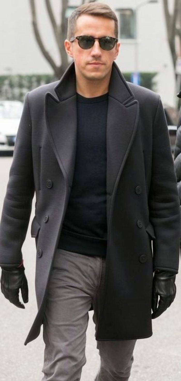 mantau homme zara de couleur noir pour les hommes elegants                                                                                                                                                                                 Plus