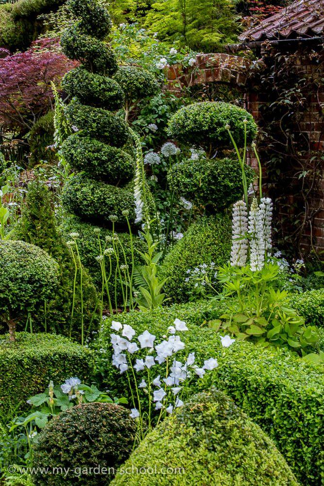 Chelsea Flower Show 2014, Marylyn Abbott, The Topiarist Garden