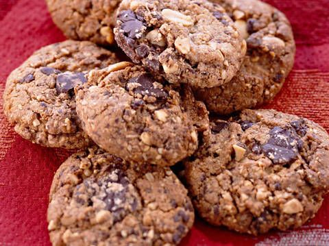 Peanut and Chocolate Biscuits  - Better Homes and Gardens - Yahoo!7