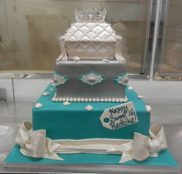 Cake Decorating Ideas For Sweet 16 : Sweet 16 cake fit for a princess Winter wonderland ...