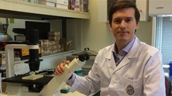 En Chile desarrollan vacuna contra virus herpes simples.  http://www.explora.cl/noticias-nacionales/4660-en-chile-desarrollan-vacuna-contra-virus-herpes-simplex