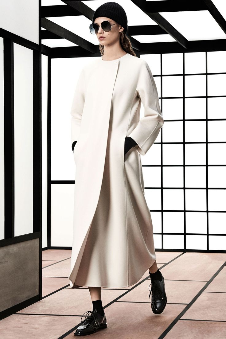 Max Mara Pre-Fall 2018 Collection Photos - Vogue