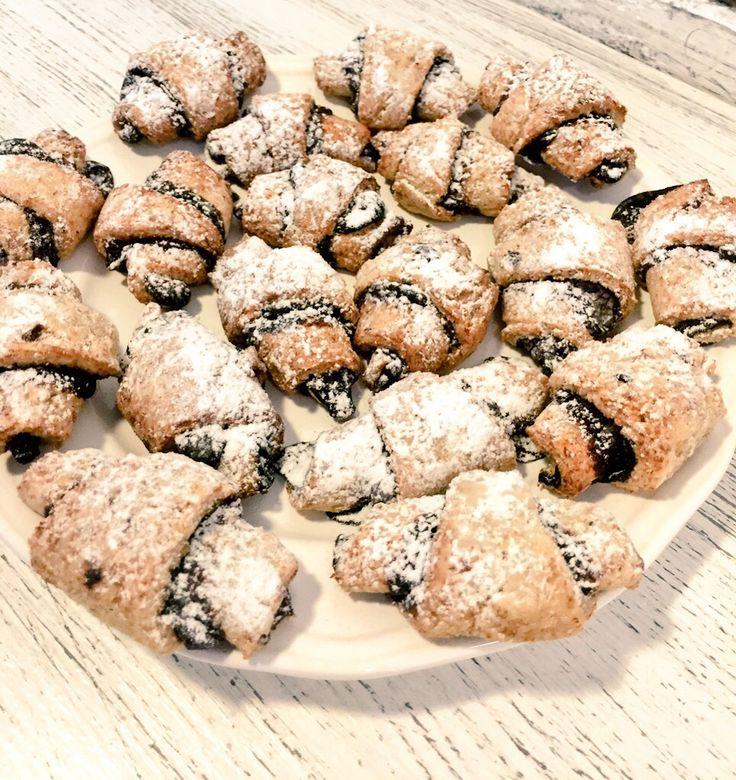 Apró csokis finomság  Egy finom kávé mellé nincs is jobb választás! #mahalo#healthy#pale#breakfast#morning#coffee#cafe#bakery