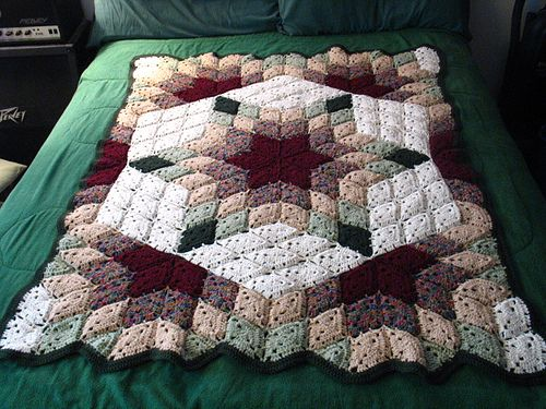 Prairie Star, a free @Red Heart Yarns #crochet blanket pattern, image from yarnjunkie82 on Ravelry