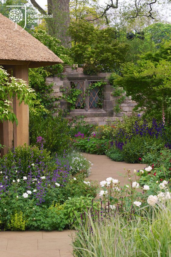 wild styled garden path | Adamchristopherdesign.co.uk