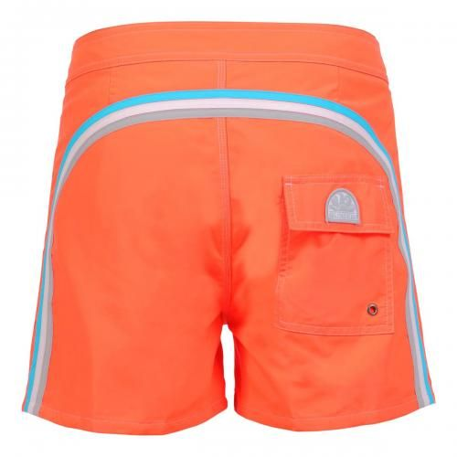 FLUO ORANGE MID-LENGTH SWIM SHORTS WITH RAINBOW BANDS  Fluo orange low rise polyester boardshorts with the three classic rainbow bands on the back. Fixed waist with adjustable drawsting and Velcro fly. Internal mesh. A Velcro back pocket. Sundek logo on the back. COMPOSITION: 100% NYLON. Our model wears size 32 he is 189 cm tall and weighs 86 Kg.