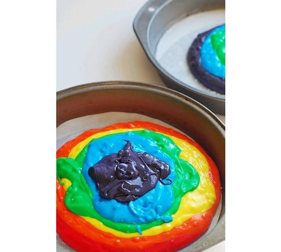 Receita de como fazer bolo colorido em casa!
