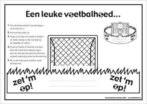 Voetbalhoed met Frokkie en LolaMaak je voetbalfeestje compleet met deze voetbalhoed van Frokkie en Lola. Op het andere blad staan Frokkie en Lola als keeper.