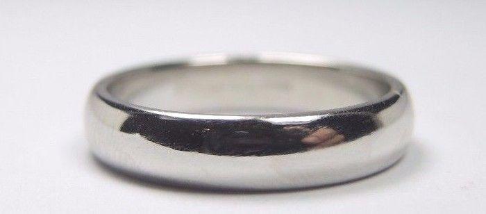 Estate Tiffany & Co Wedding Band Platinum Ring Size 8 UK-P1/2 Unisex Width 4.5MM #TiffanyCo #Band