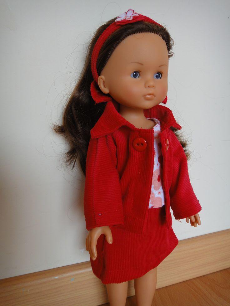 petit taille rouge pour Chloé corolle les chéries
