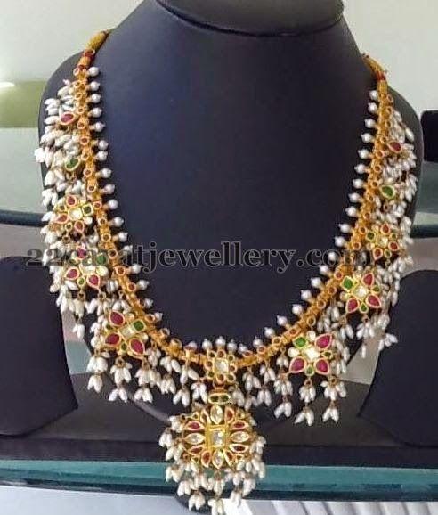 Jewellery Designs: Tremendous Gottapusalu Necklace