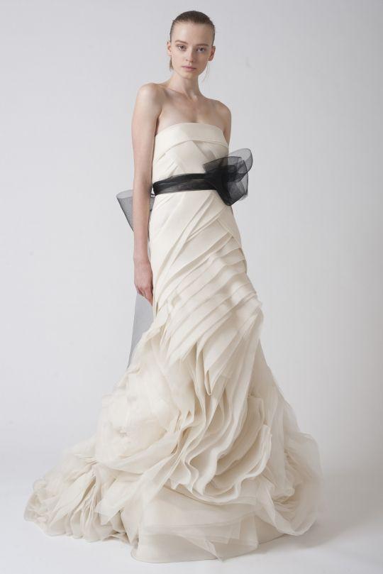 Oren kaplan wedding dress