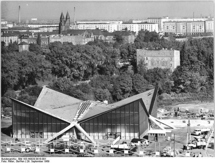 magdeburg historiscche bilder   Datei:Bundesarchiv Bild 183-H0929-0018-001, Magdeburg, Mehrzwckhalle ...
