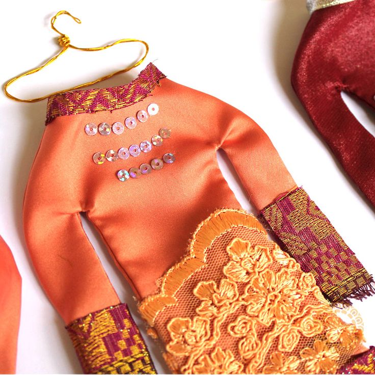 Riau melayu women traditional costume