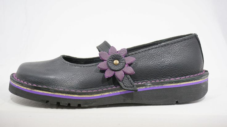 Freestyle Shani Bundu (Black/Purple) Handmade Genuine Full Grain Leather Shoe. R 769   Handcrafted in Cape Town, South Africa. Code: 144124. See online shopping for sizes.   Shop for Freestyle online https://thewhatnotshoes.co.za       Free Delivery within South Africa.