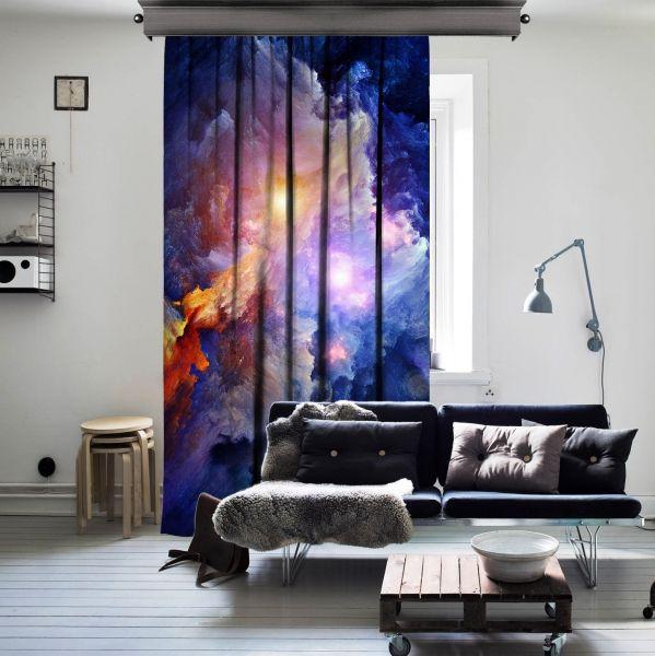 Nebulanın Derinlerinde Uzay Tek Kanat Perde