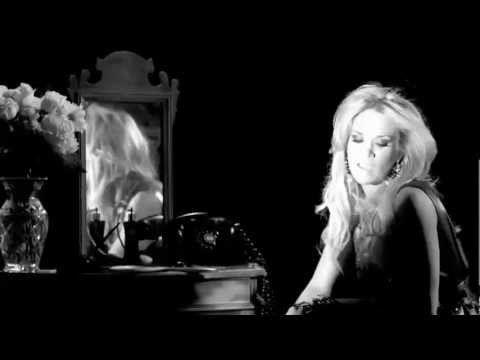 Carrie Underwood - Undo It ( Black & White Version)