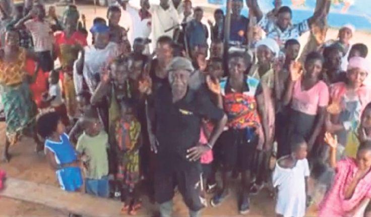 Lelaki 12 isteri 100 anak masih nak kahwin lagi sampai terlamar anak perempuan sendiri   Seorang petani berusia 80 tahun menjadi terkenal di Ghana kerana mempunyai 12 isteri dan lebih 100 anak. Lebih menarik lagi dia masih berhajat untuk berkahwin lagi.  Togbui Kofi Asilenu yang tinggal di sebuah komuniti kecil di Wilayah Barat Ghana tidak mampu mengingat semua nama anaknya kerana jumlah mereka yang terlalu ramai.  Asilenu memberitahu dia pernah secara tidak sengaja melamar anak perempuannya…
