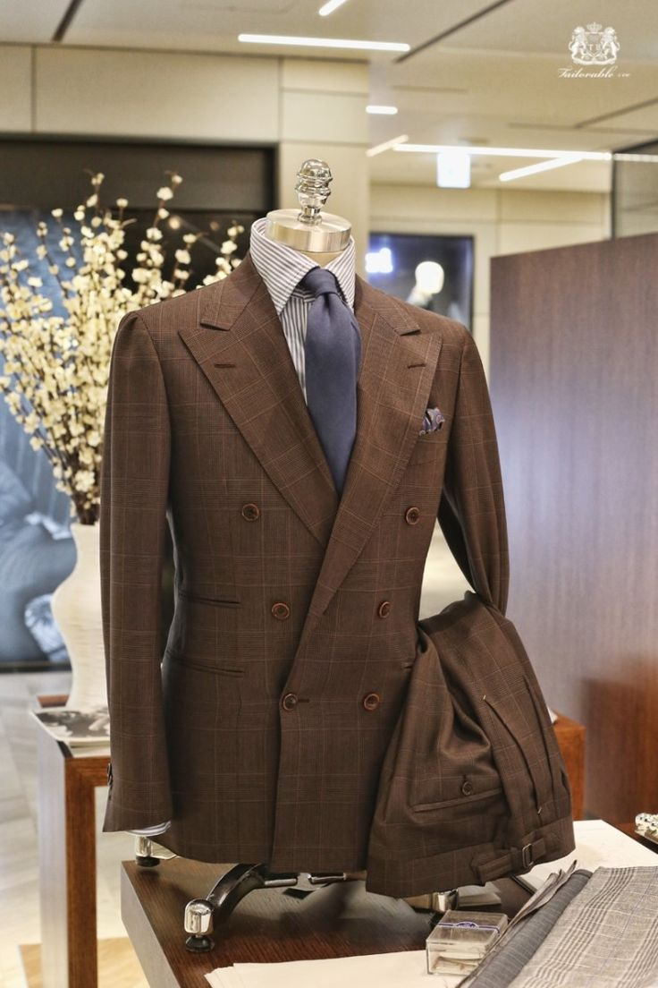 A short trip to Hong Kong for Filmart is the ideal opportunity to pad out your wardrobe with custom-designed shirts and suits. Gentlemen (and ladies) always look better in custom-made clothes, but.