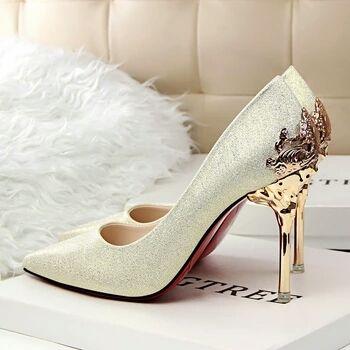 """High Heels - Banyak Wanita Merasa Sulit Berjalan dengan """"High Heels"""""""