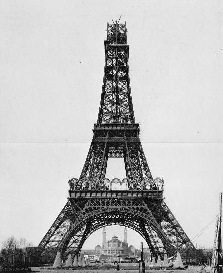 26 December 1888: Construction of upper stage.
