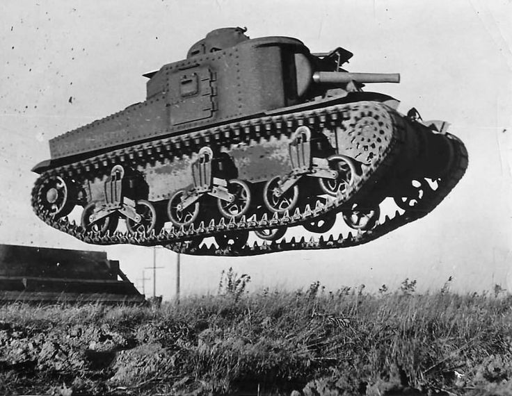 """The prototype of the M3 medium tank """"Lee"""" (M3 Lee) to overcome an artificial obstacle during trials at Aberdeen proving ground"""