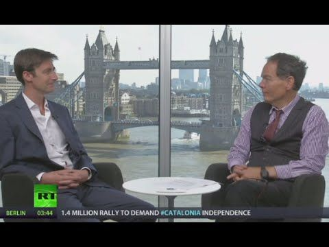 Keiser Report:  Yuppie Gold and Pet Rocks (E809)
