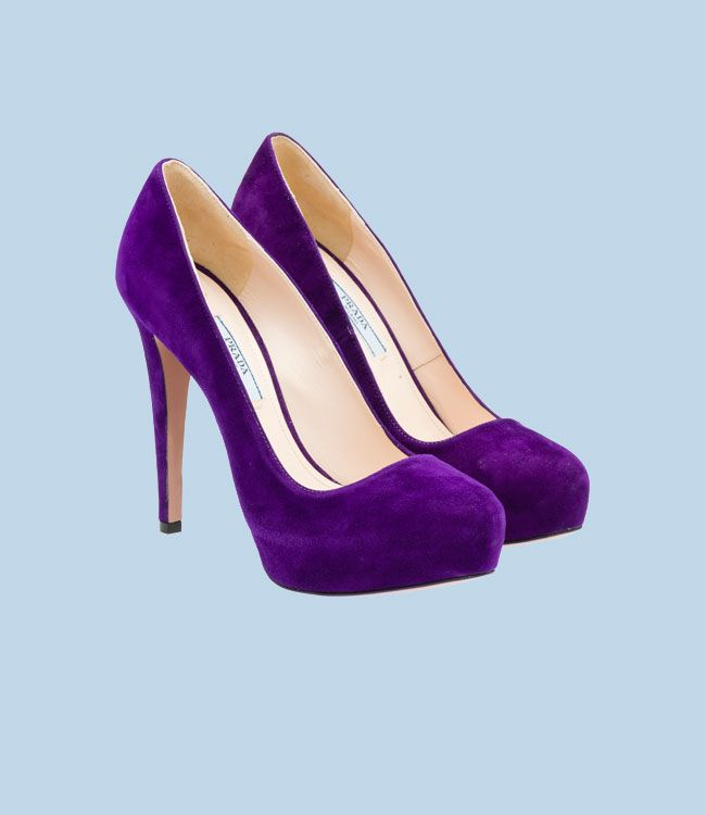 Purple Prada suede round-toe pump with 115 mm louis heel #shoe #love