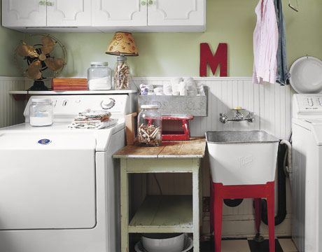 Homey. Love it.Cottages Style, English Cottages, Wash Tubs, Sinks, Room Ideas, Laundry Area, Laundry Rooms, Vintage Laundry Room, Laundryroom