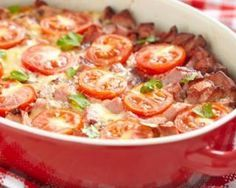 Gratin de blé aux tomates et aux saucisses : http://www.fourchette-et-bikini.fr/recettes/recettes-minceur/gratin-de-ble-aux-tomates-et-aux-saucisses.html