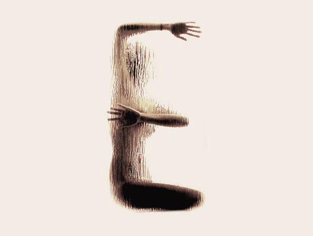 Anastasia Mastrakouli nous offre une vision nouvelle du corps de la femme en l'utilisant de manière à former un alphabet complet. Les sujets sont placés derrière une vitre humide, pour seulement signifier leurs courbes et pouvoir représenter toutes les lettres de A à Z !