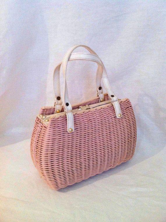 Vintage purse pink wicker vinyl white straps preppy от Comforte