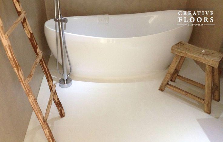 gietvloer-badkamer-wit