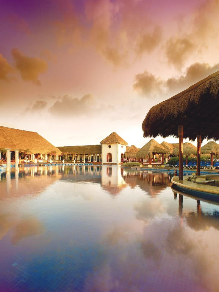 Main Pool Swim Up Bar at Now Sapphire Riviera Cancun www.nowresorts.com