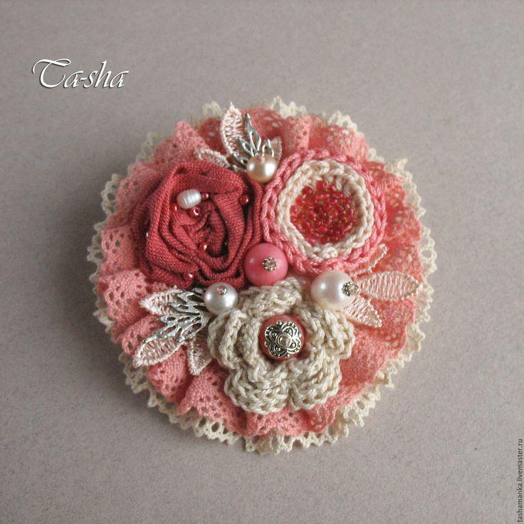 """Купить """"Мариетта"""" брошь - брошь цветок, брошь, брошь цветок нежный, брошь из ткани купить"""